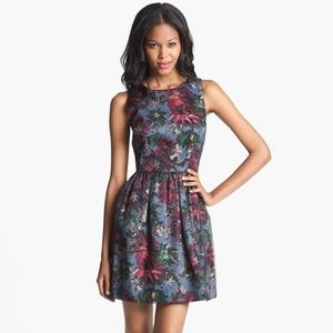 Felicity & Coco Fit & Flare Floral Dress L